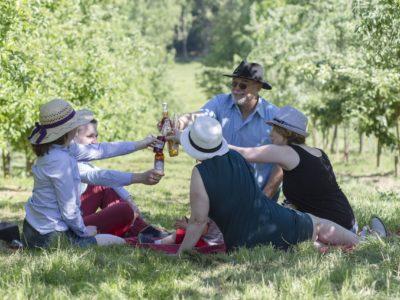 dégustation en famille de la bière les bulles ardennaises