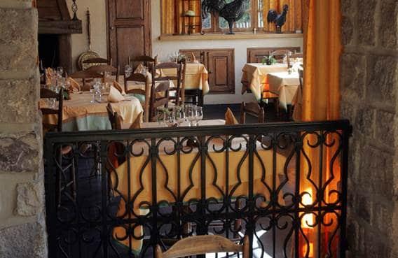 Intérieur du restaurant l'Auberge d'Abbaye à Signy-l'Abbaye