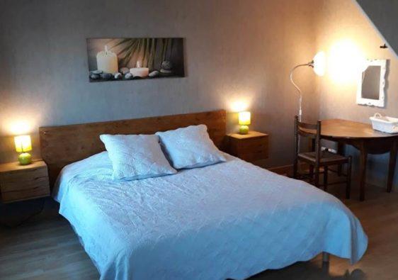 Intérieur et chambre du gite la petite maison dans les Ardennes