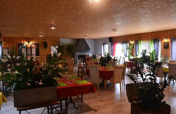 Intérieur du restaurant la ferme de Méry